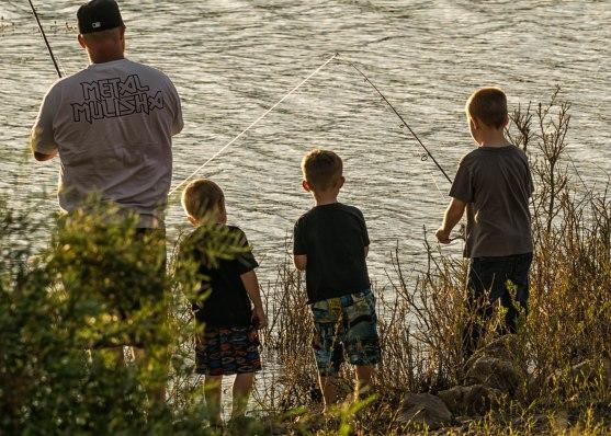 Fishin' w Dad.Crawford St Pk