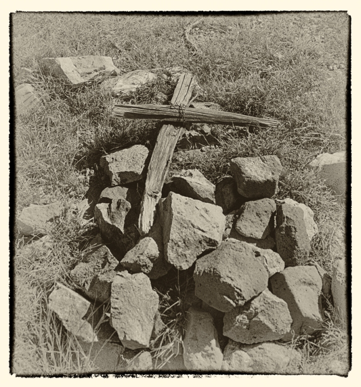 old cross at grave- Ft Cummings