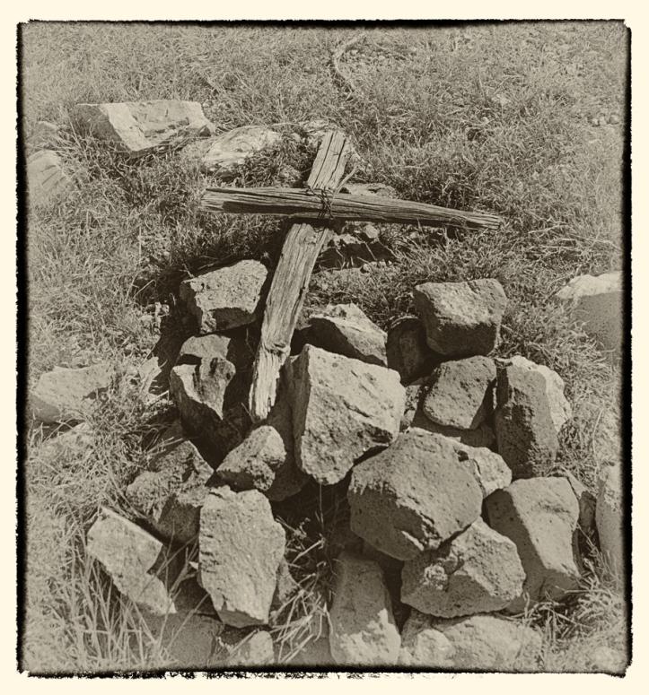 old cross at grave- Ft Cummings